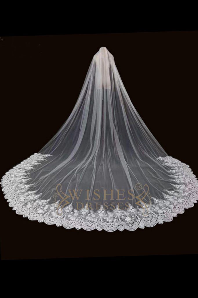 3.8 m White Long Veil With Gorgeous Lace Applique V17004