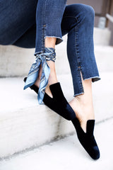 scarf_around_ankle_2