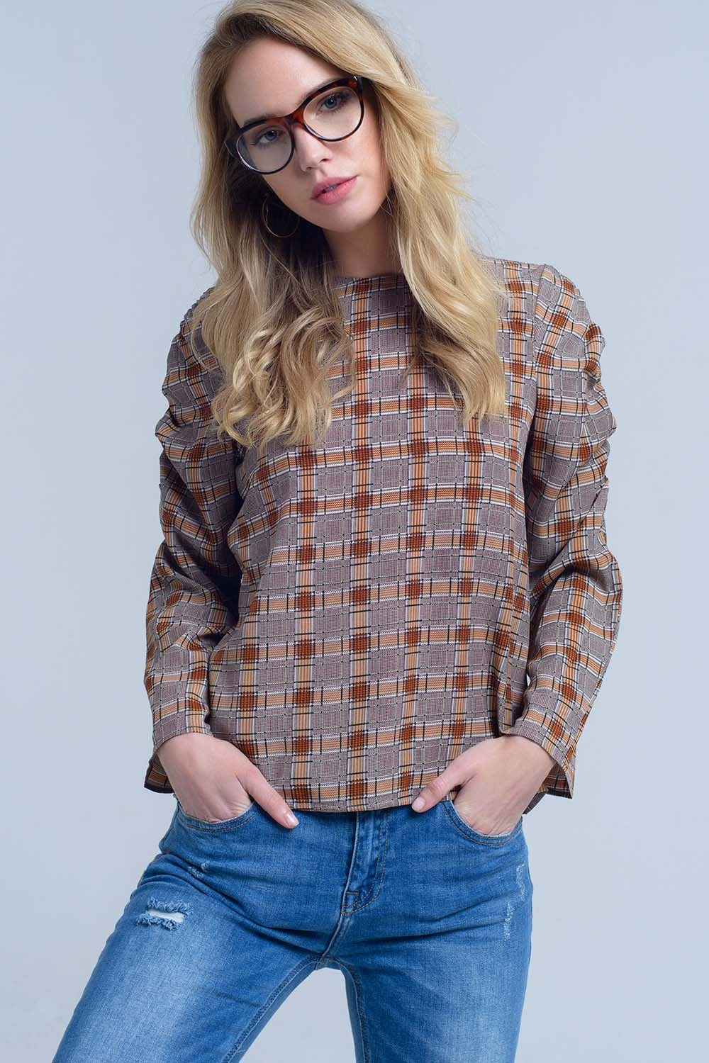 Top Marron Con Estampado A Cuadros
