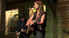 Tracie Lynn duo at Wimberley Glassworks Sept 28 2019