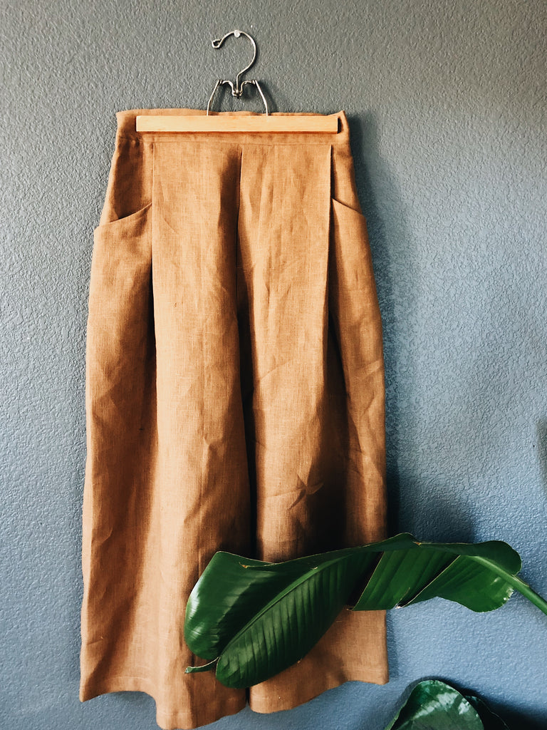 {124} High-Waisted, Crop Trouser- Caramel