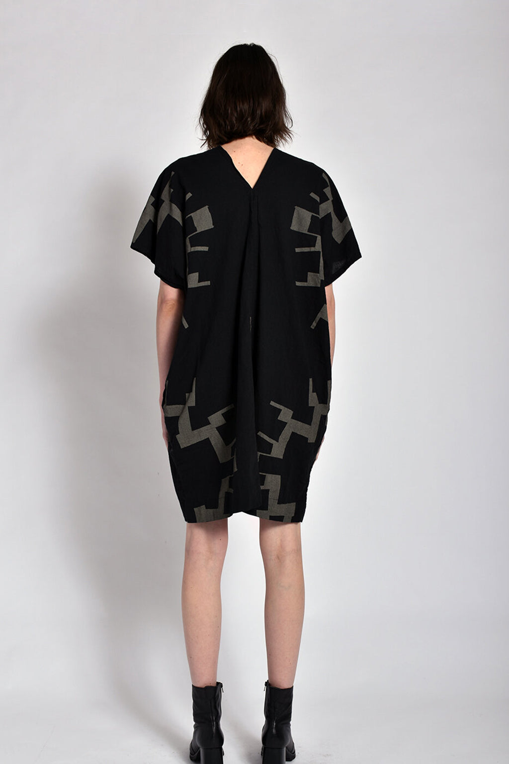 Printed V-neck Dress in Black Sun