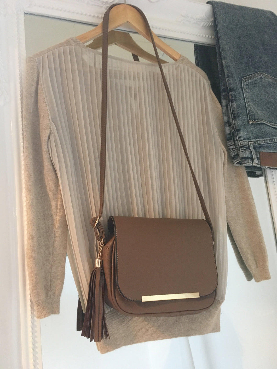 Tassel Shoulder Bag in Brown