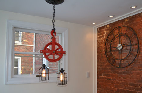 Barn Pulley Light | Red