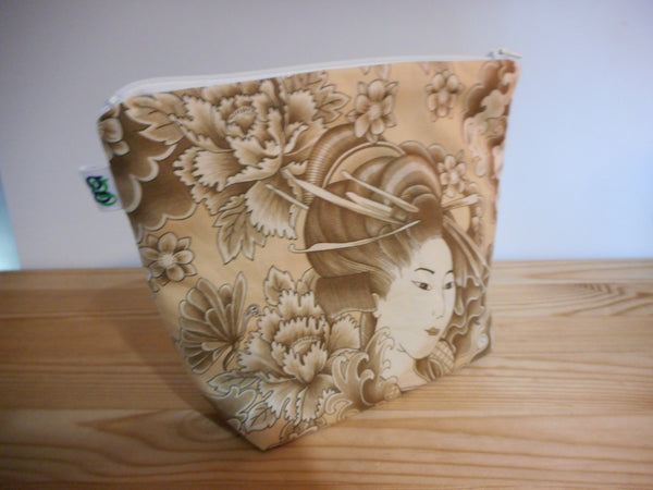 Fabric Zippered Pouch Clutch Cosmetic Bag Japanese Geisha Lady - groovygurls