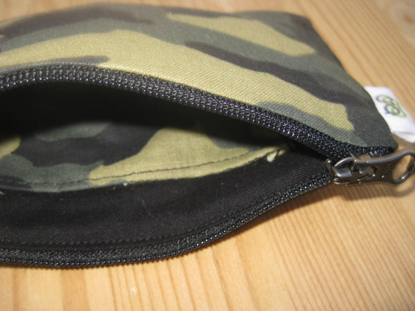Zippered Coin Purse Wallet Organizer - Camo Camouflage print - groovygurls