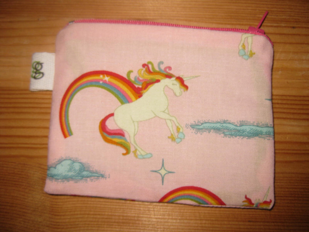 Zippered Coin Purse Wallet Organizer - Unicorns and Rainbows print - groovygurls