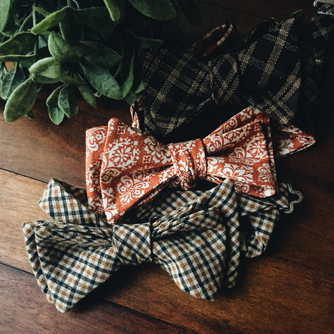 Pumpkin Damask Bow Tie - Lord and Lady