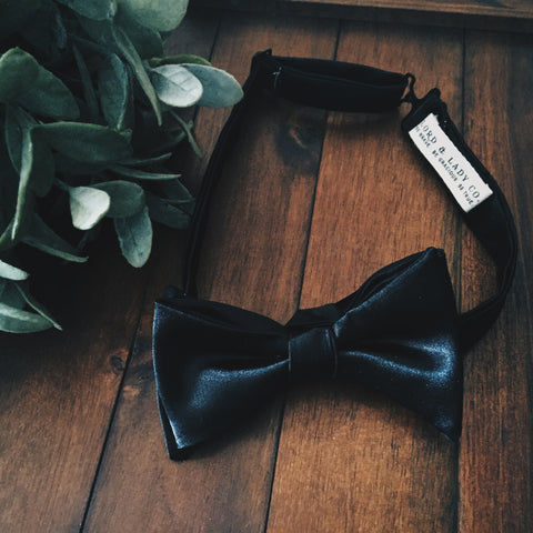 Formal Affair Bow Tie - Lord and Lady