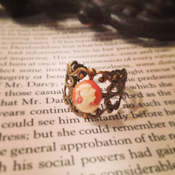 Lady Cameo Ring - Lord and Lady