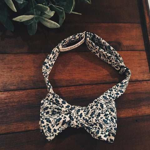 Forest Clover Bow Tie - Lord and Lady