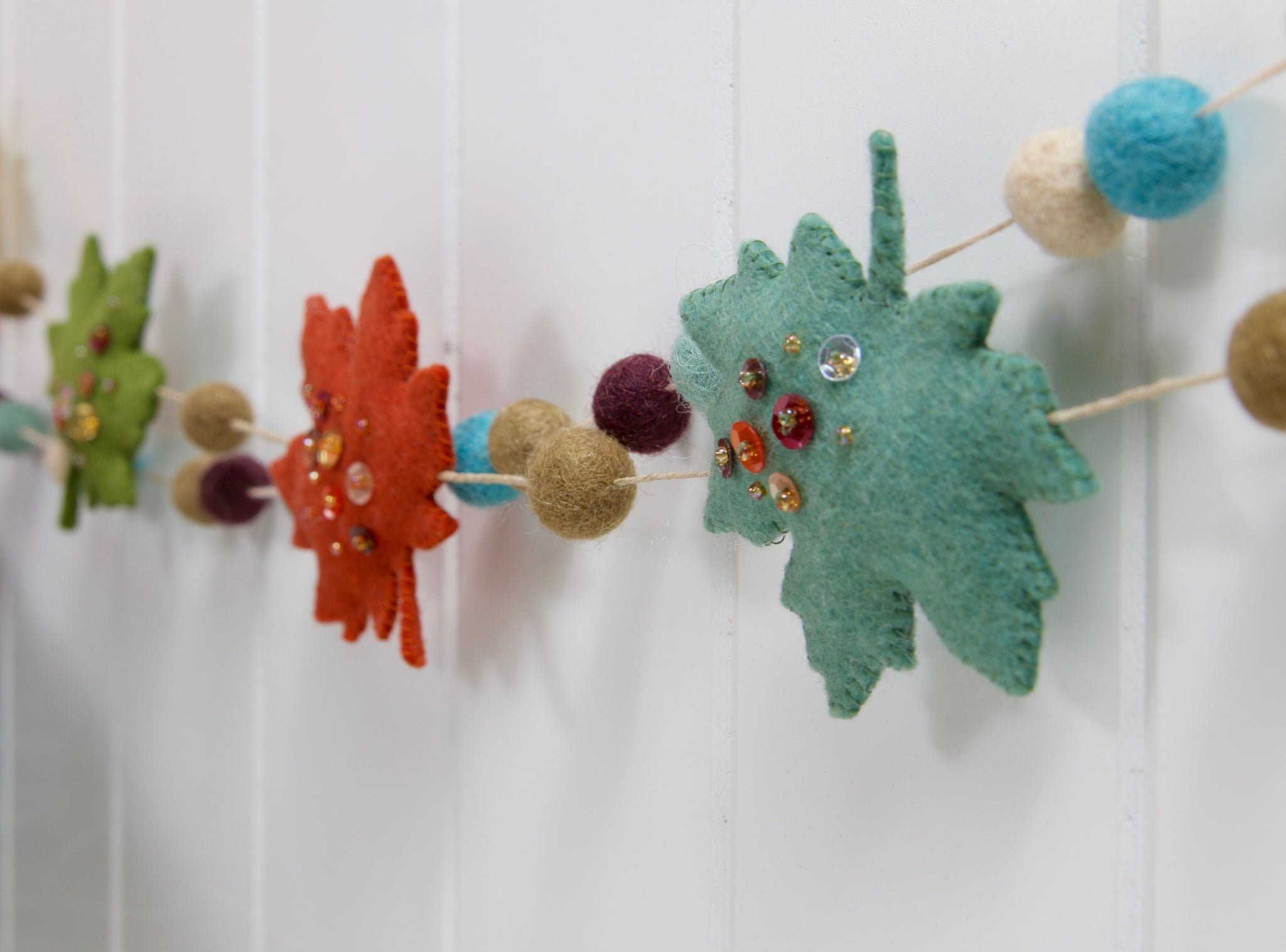 Sequined Felt Fall Leaves With Neat Tangled Benzie Design