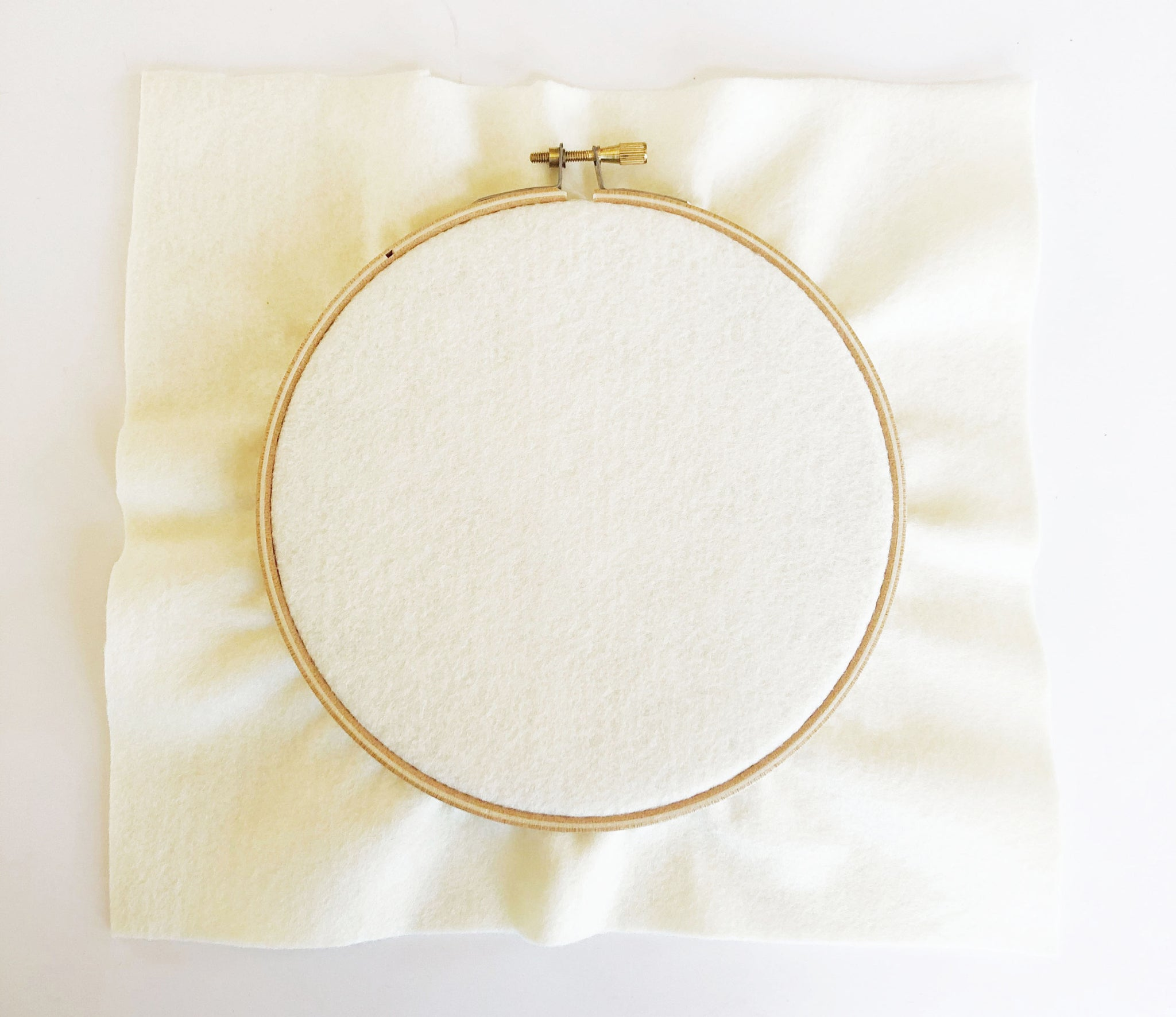 Fitting felt into embroidery hoop