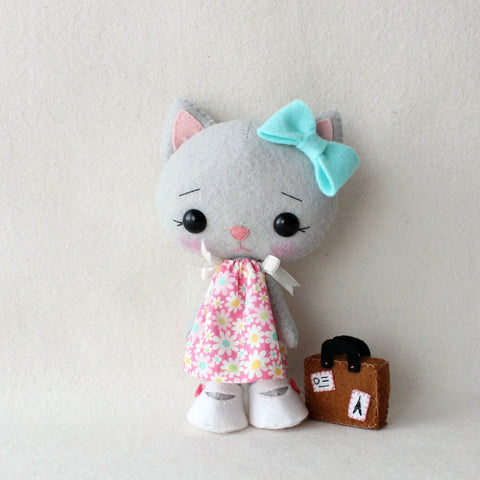 Kittens with Dresses Pattern Kits