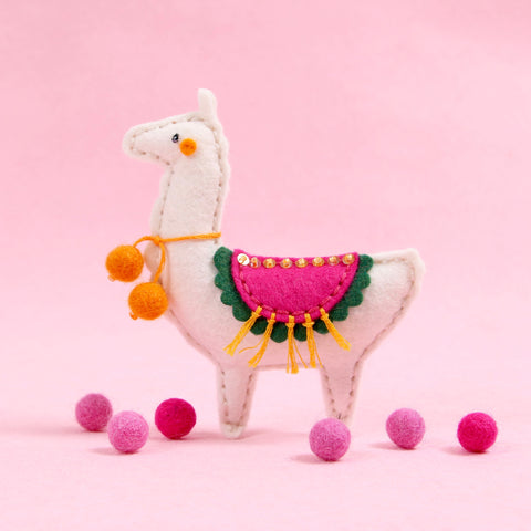 llama craft, alpaca craft, die cutting, neat and tangled stitchable die