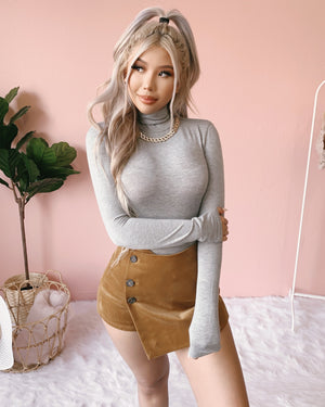 GEMMA TURTLENECK TOP (OLIVE)