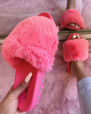 RESTOCKED! FARRAH FLUFFY SLIPPER/SLIDE (IVORY)