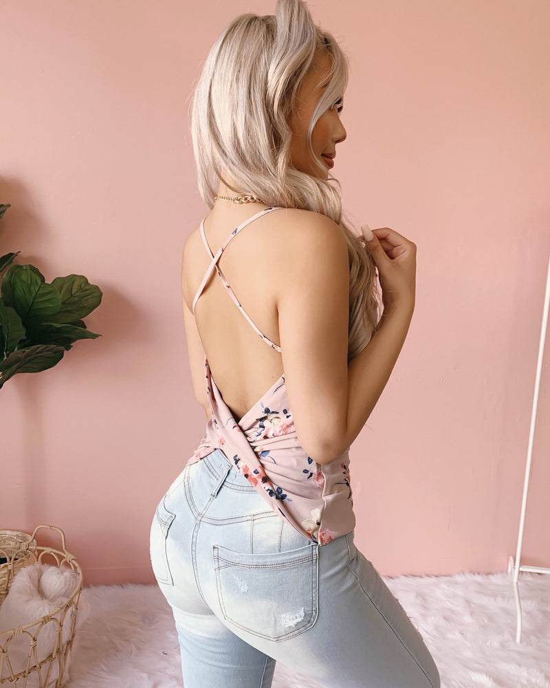 BRIELLE OPEN BACK FORAL TOP