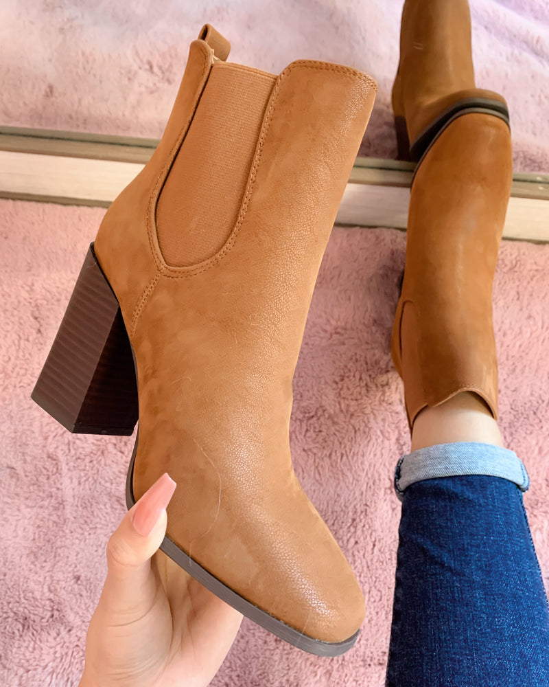 BROOKLYN BOOTIE (CAMEL)