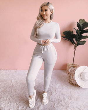 IN YOUR DREAMS 2 PIECE JOGGER SET (LIGHT GREY)