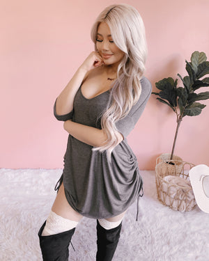 LILLY SIDE SCRUNCH OVERSIZED TOP (CHARCOAL)