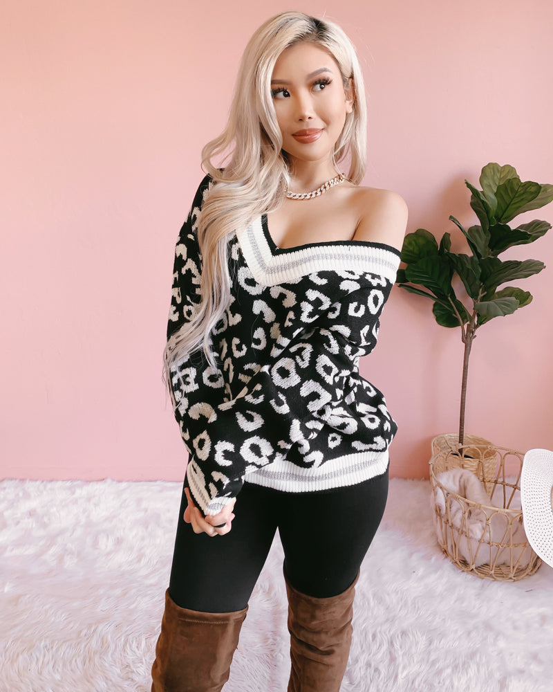 WILD ABOUT YOU KNIT SWEATER (BLACK)