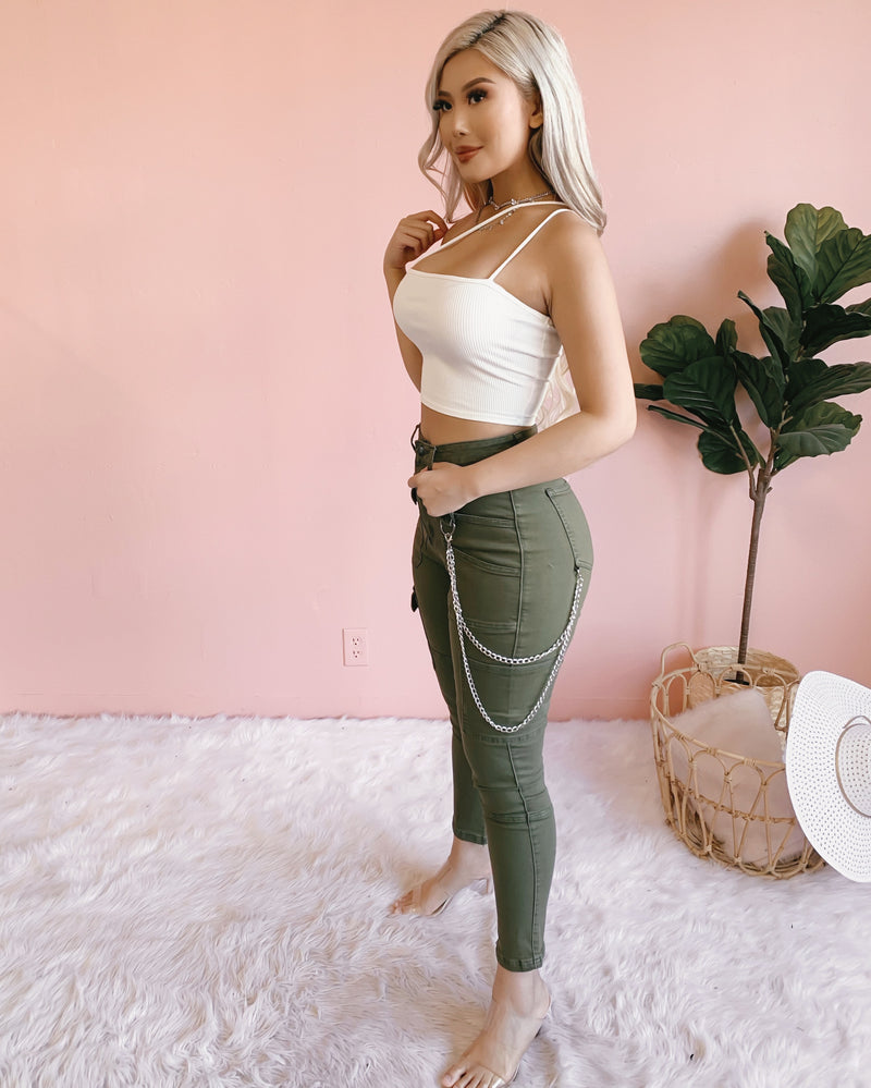 ELSIE CHAINED HIGH RISE CARGO PANTS (OLIVE)