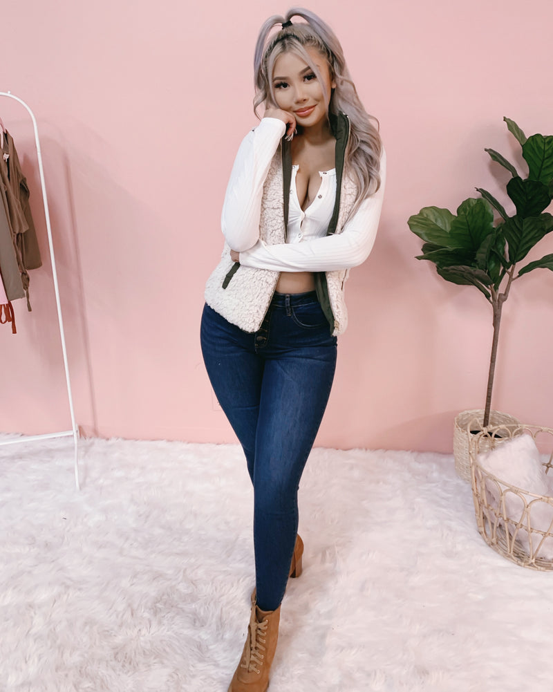 ARIANA HIGH WAISTED SKINY DENIM JEANS (DARK WASH)