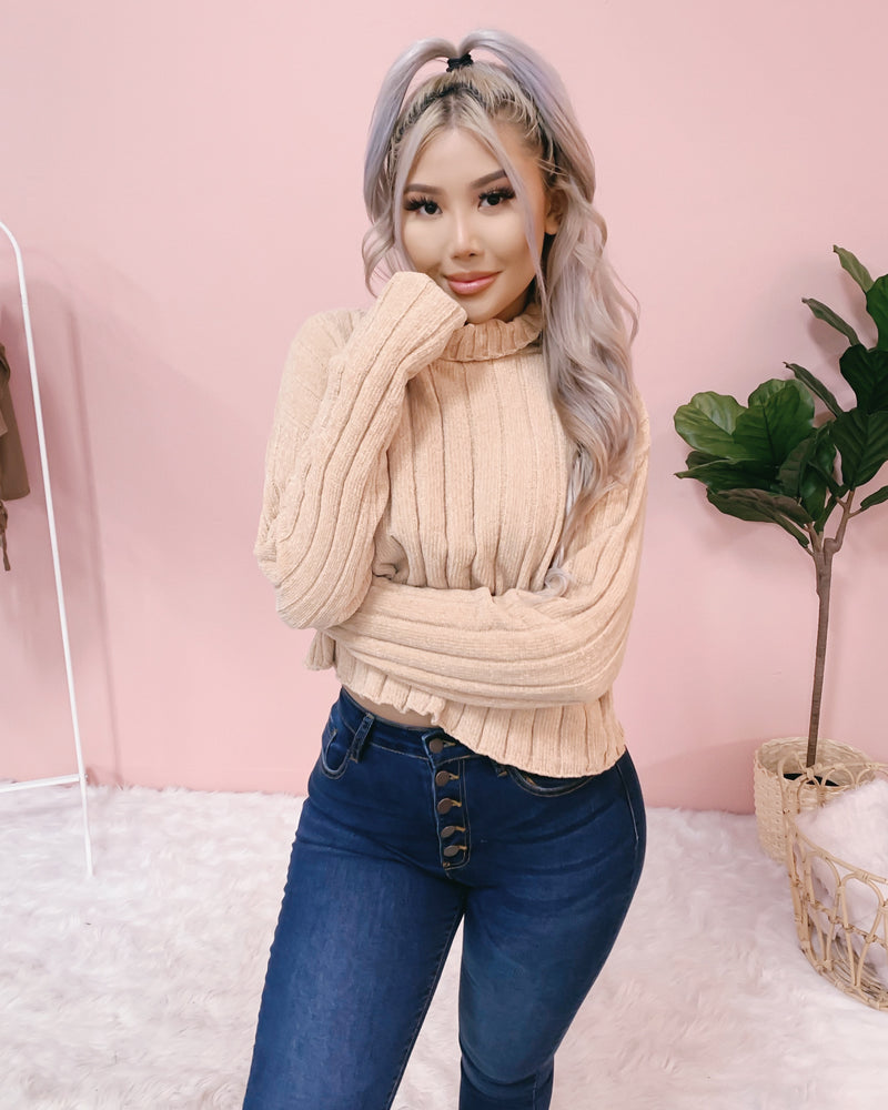 ALL WARMED UP VELVET TOP (IVORY)