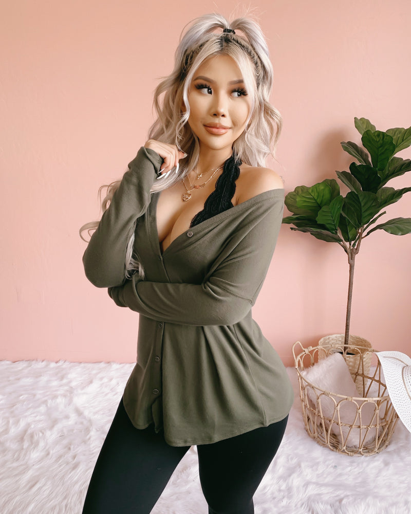 RESTOCKED! BRIANNA BUTTON UP TOP (OLIVE)