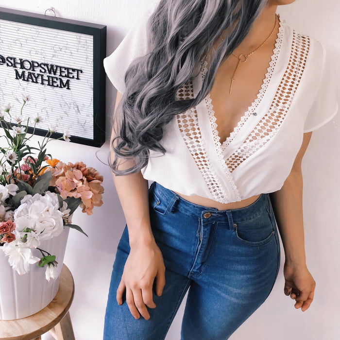 LACEY FLOWY TOP (WHITE)