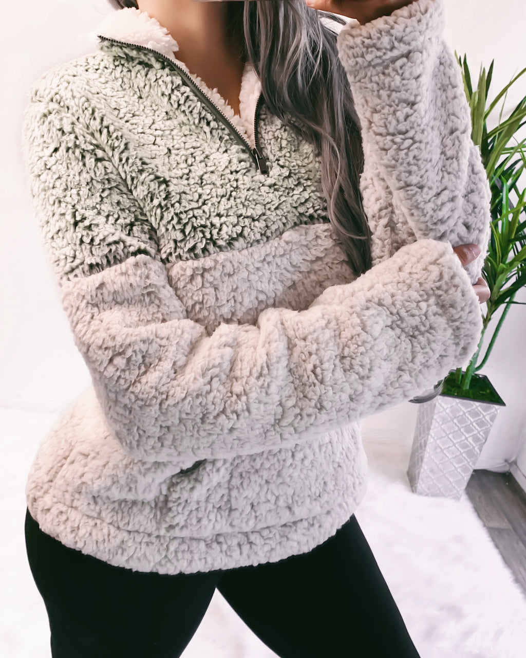 2-TONED ULTRA SOFT TEDDY SWEATER (OLIVE)