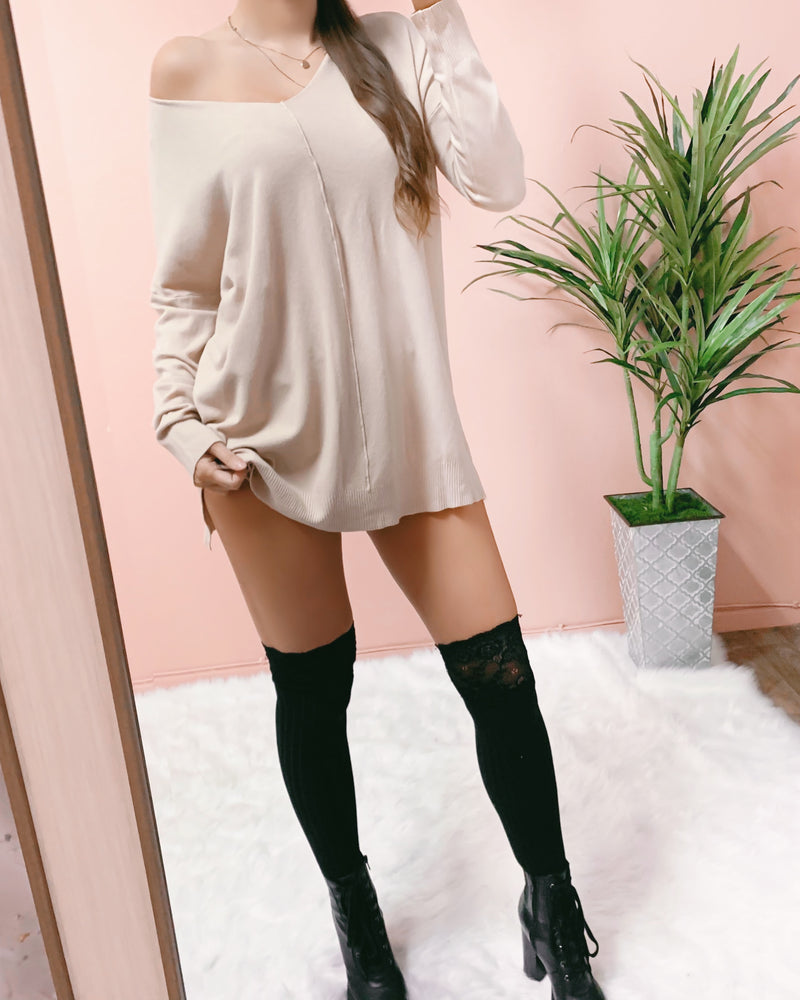 HEAT THINGS UP SWEATER DRESS (BLACK)