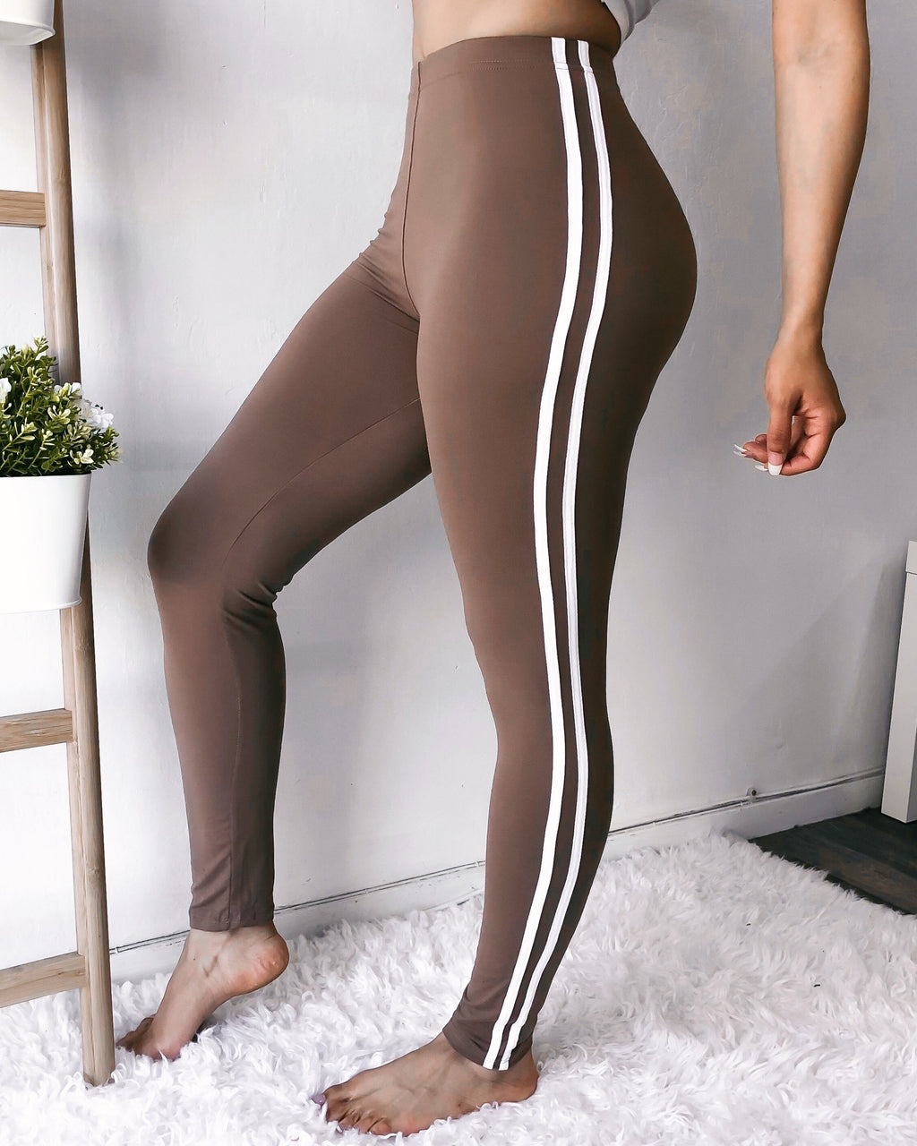 RESTOCKED! SOFTEST SPORTY LEGGINGS EVER (DARK TAUPE)