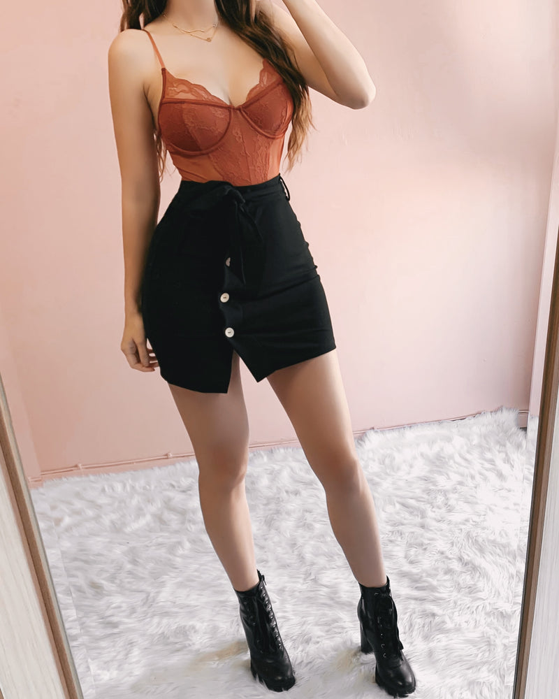 IMPRESS ME MINI SLIT SKIRT
