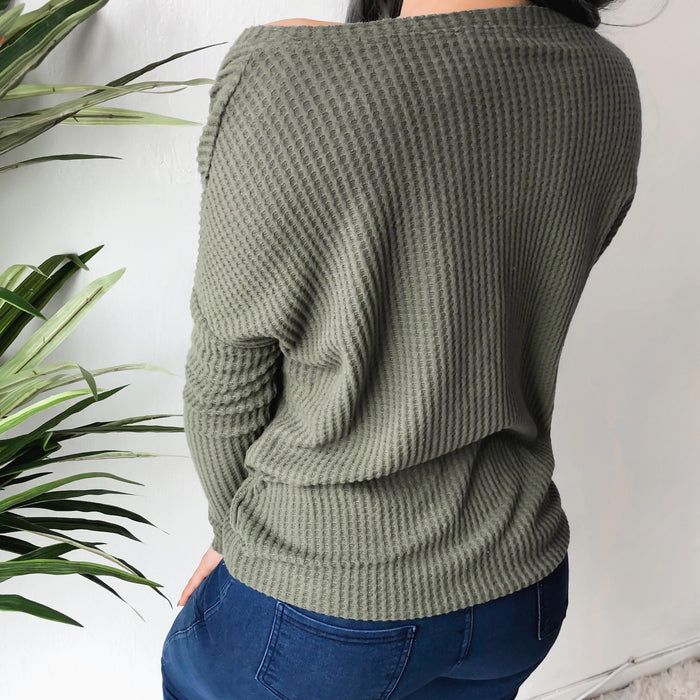 AUDREY SCRUNCHED WAFFLE KNIT TOP (OLIVE)