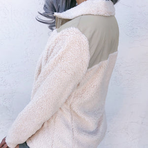 RESTOCKED! TEDDY NORTHFACE-STYLE FAUX FUR JACKET (CREAM)