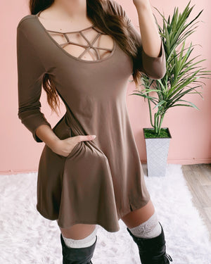 RIRI CAGED POCKET DRESS (MOCHA)