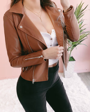 THE BADDEST B LEATHER JACKET (CARAMEL)
