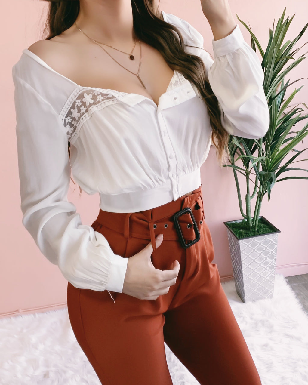 NOAH FLORAL LACE TOP (WHITE)
