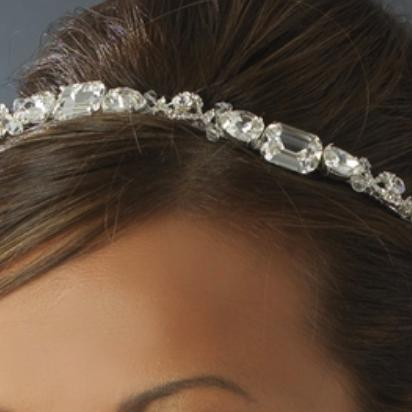 """The Amy"" Modern Rhinestone Headband - Sweet Heart Details"