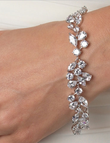 """The Shelby"" Delicate CZ Bracelet - Sweet Heart Details"
