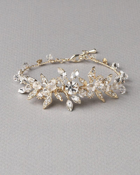 """The Harmony"" Floral Bracelet - Sweet Heart Details"