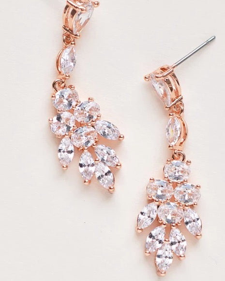 Elizabeth CZ Earrings-Earrings-JE-4150-RG-Sweet Heart Details