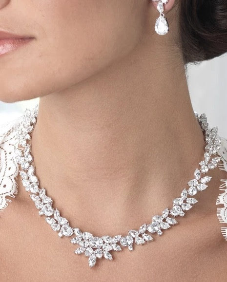 Captivating CZ Necklace - Sweet Heart Details