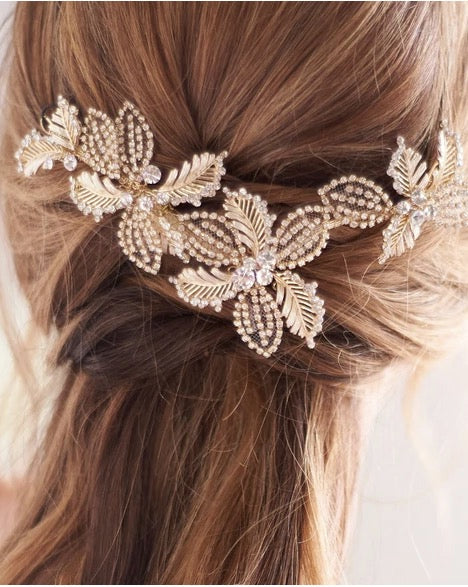 """The Andrea"" Floral Wedding Clip - Sweet Heart Details"