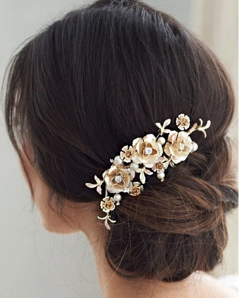 """The Rosie"" Floral Hair Clip - Sweet Heart Details"