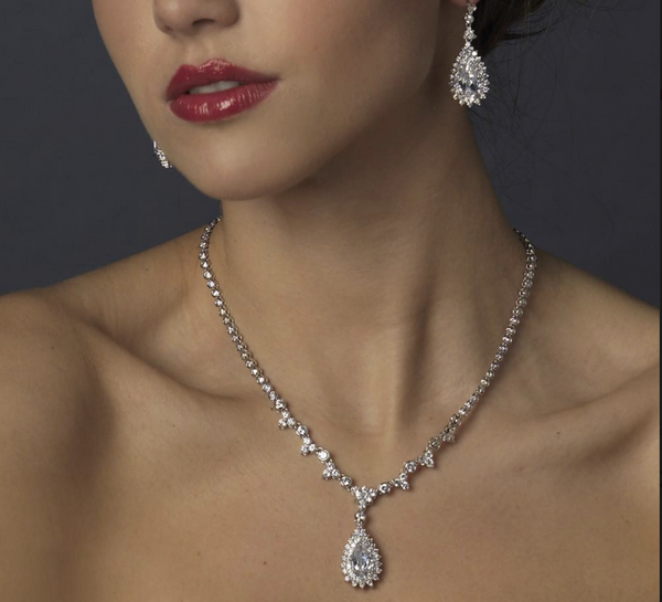 """The Jasmyne"" Dazzling Vintage CZ Drop Jewelry Set - Sweet Heart Details"
