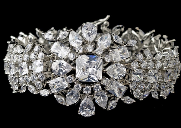 """The Casey"" Glamorous CZ Crystal Bracelet - Sweet Heart Details"