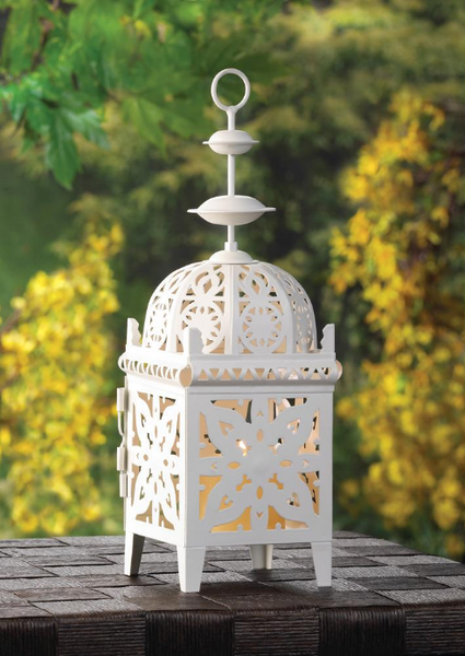Lightweight Medallion Candle Lanterns - Sweet Heart Details